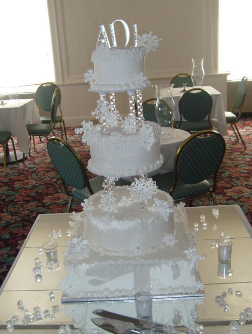 Snowflake Wedding Cakes for Winter Brides      Weddibles by Wed Central Another