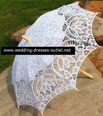 מטריה לבנה לכלה