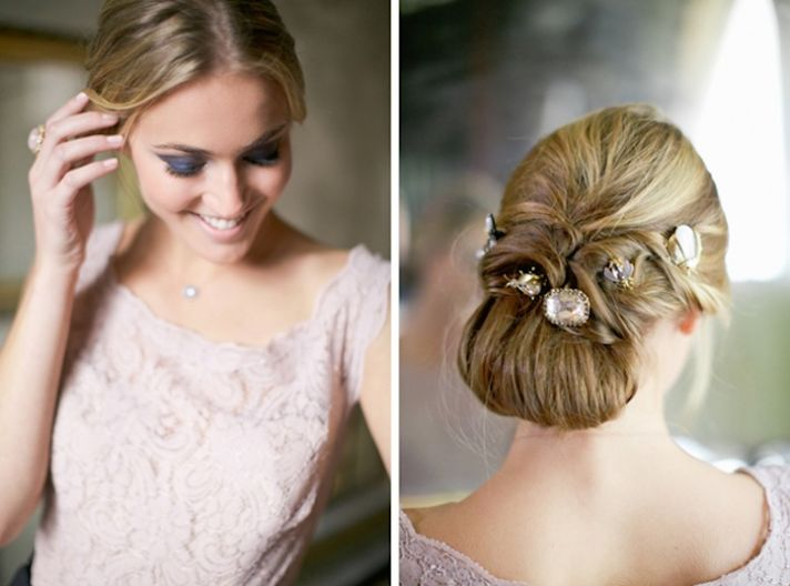 unique-bridal-updo-with-vintage-jewels__