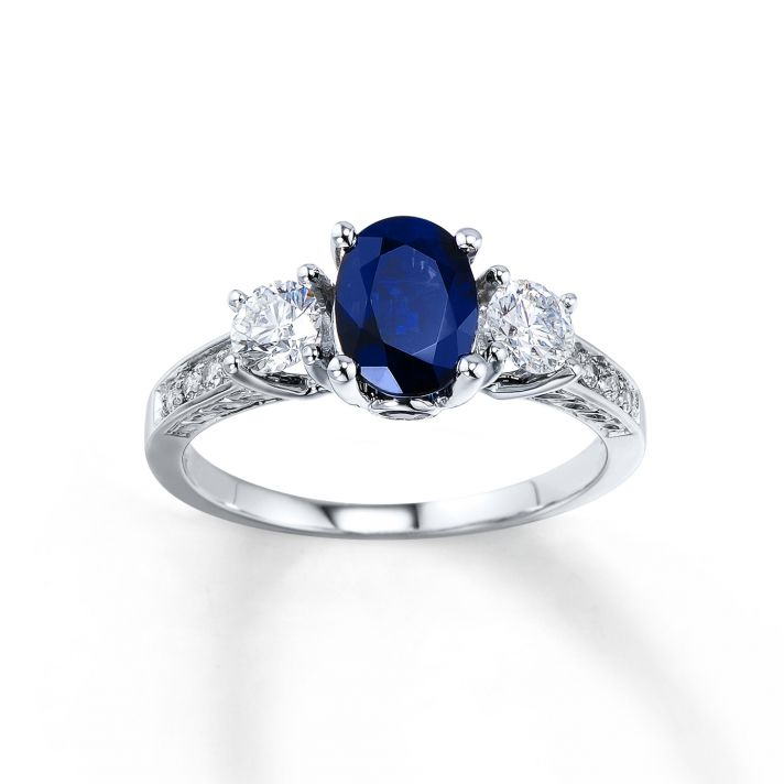 Fall In Love With These Engagement Rings From Jared The