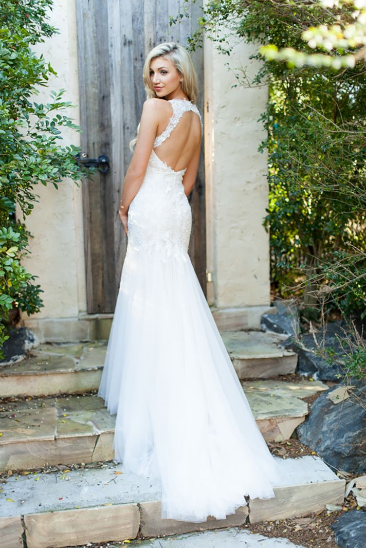 Cara Lace Wedding Dress with a Low Back and Tulle Skirt