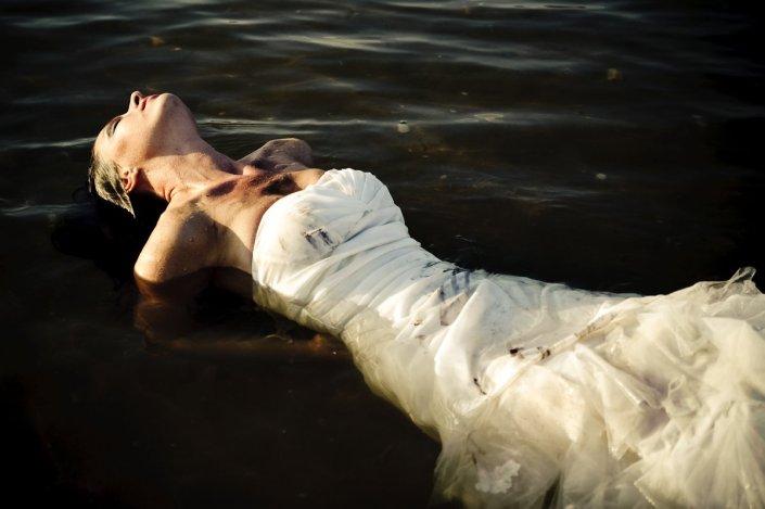 moniquedecaro-trash-the-dress