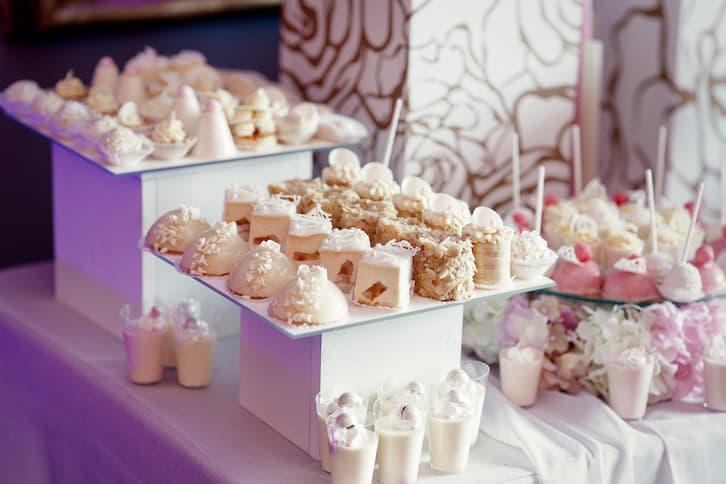 słodki stół fiolet