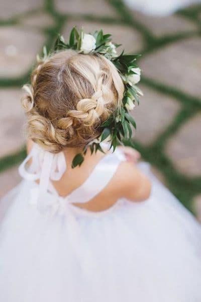 fryzura dziewczynka warkocz korona wianek
