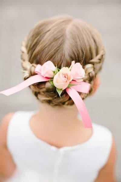 fryzury na wesele dla dzieci warkocz korona