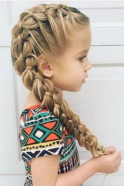 fryzury na wesele dla dzieci warkocz