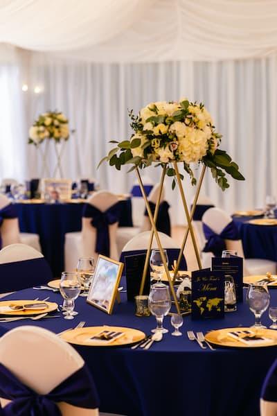 dekoracja sali weselnej kwiaty na wesele