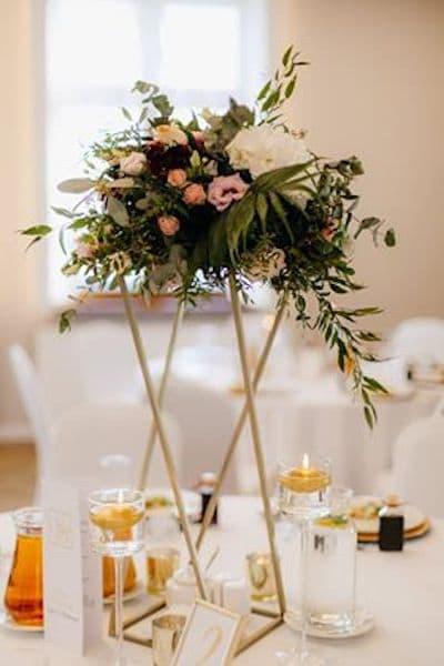 kwiaty na wesele dekoracja stołu