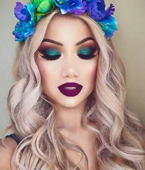 makijaż na wesele niebieskie oczy ciemne usta