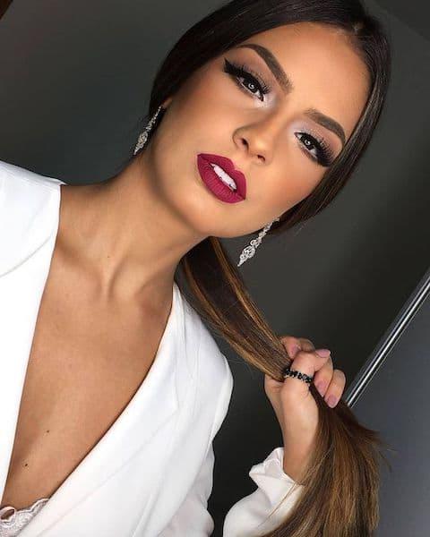 makijaż wieczorowy usta czerwone