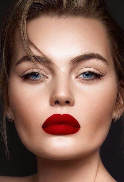 makijaż czerwone usta