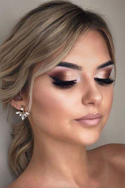 makijaż na ślub długie rzęsy blondynka