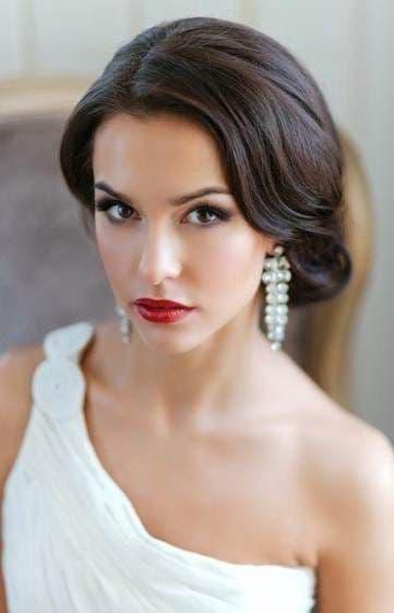 makijaż panna młoda typ zima czarne włosy czerwone usta