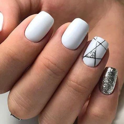 paznokcie wesele geometryczne wzory białe srebrne