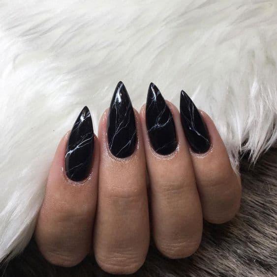 manicure wesele marmurki czarne