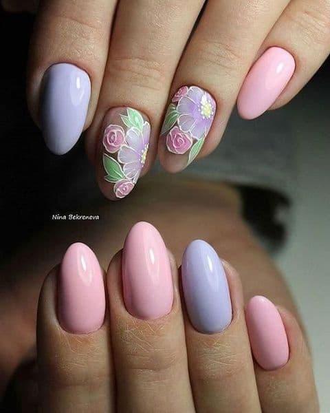 manicure efekt negatywu kwiaty pastele