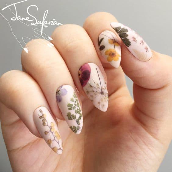 paznokcie ślubne kwiaty vintage