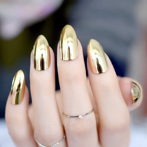 paznokcie panna młoda lustrzane złote
