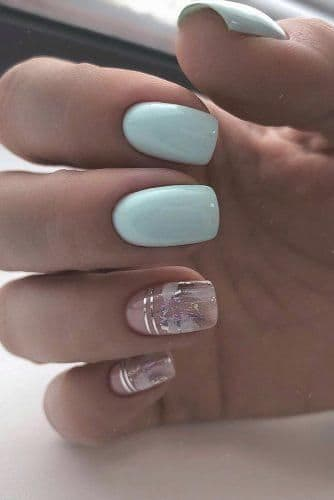 paznokcie na ślub niebieskie pastelowe