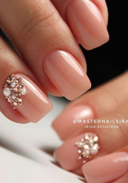 paznokcie na ślub kryształki perełki