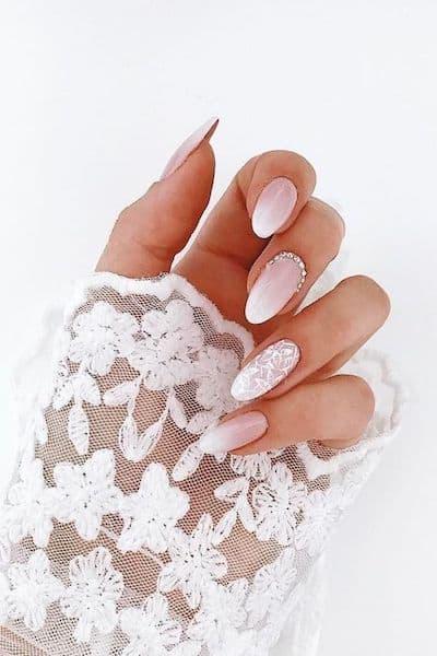 paznokcie ślubne baby boomer wzorki kryształki