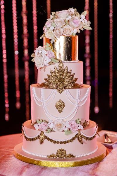 torty weselne barokowy złoty