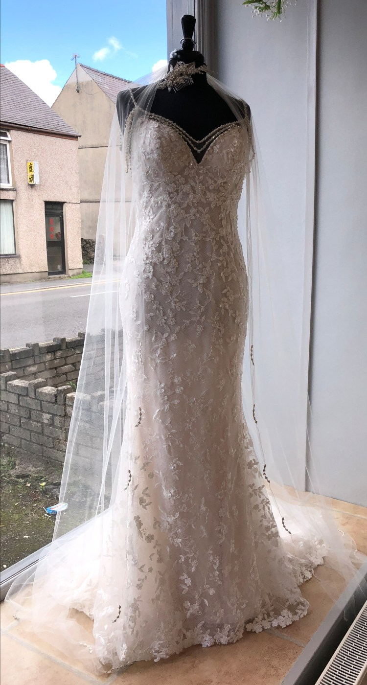 Lynnis by Sottero and Midgley