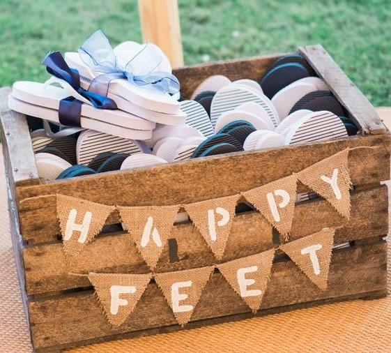 Wedding favour inspiration: flip flops