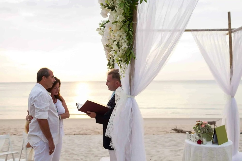 Beach marriage celebrant phuket (19)