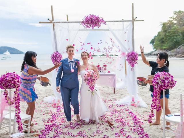 Beach wedding celebrant (18)