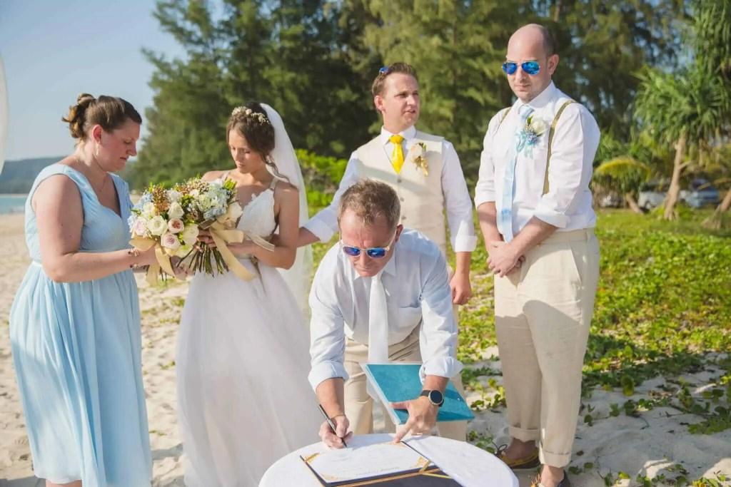 Beach destination wedding celebrant phuket (16)