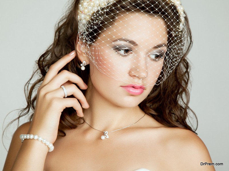 Wedding hairstyles with veils to suit your need!