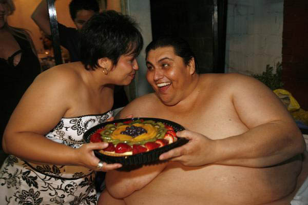 World's fattest man is also fattest husband