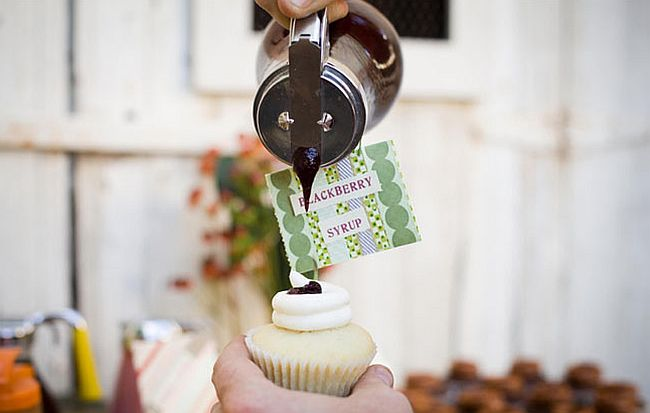 Cupcake topping bar for your wedding