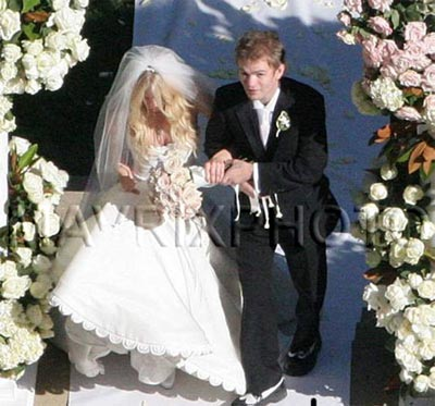 deryck whibley weddings 12