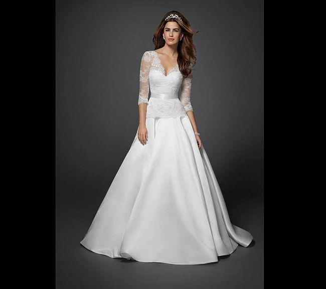 Middleton's wedding dress replica