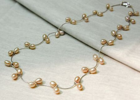 pearl necklace o11