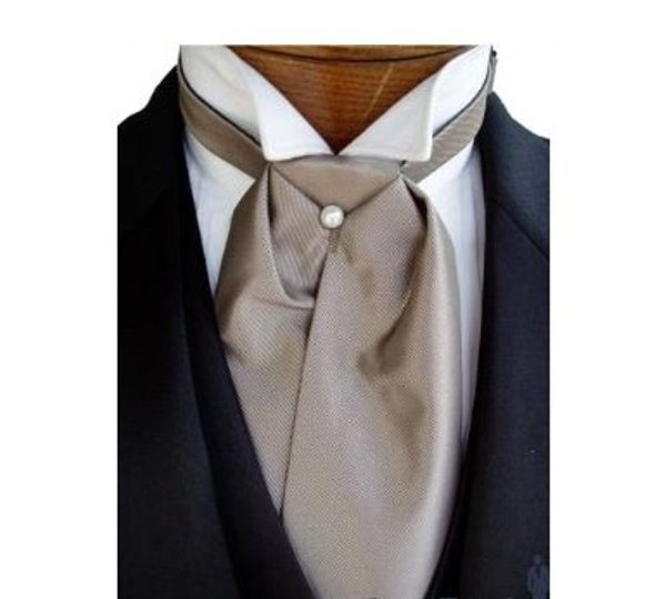 Traditional Solid Fusion Champagne Ascot Tuxedo