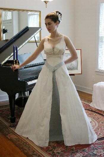 wedding gowns wedding costumes
