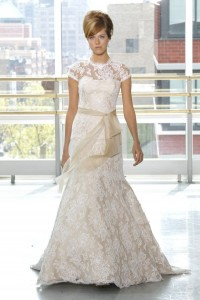 2013-wedding-dress-trend-two-tone-bridal-gowns-nude-white-lace-rivini.original