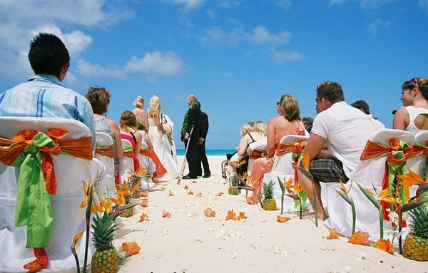 wedding-setup-for-blake-and-irish-wedding-on-Oahu-FH000030-700414