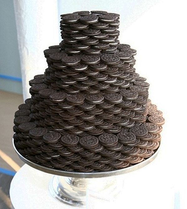 Oreo cookie groom's cake