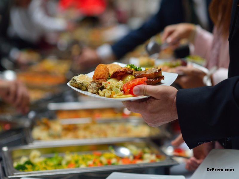 Avoid wastage with food carts or plate servings