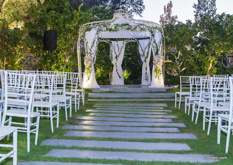 Chuppah theme ideas for a Jewish wedding