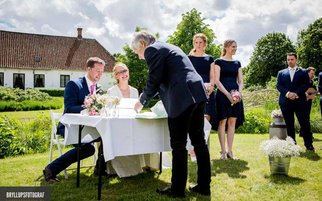 How to choose destination wedding photographers