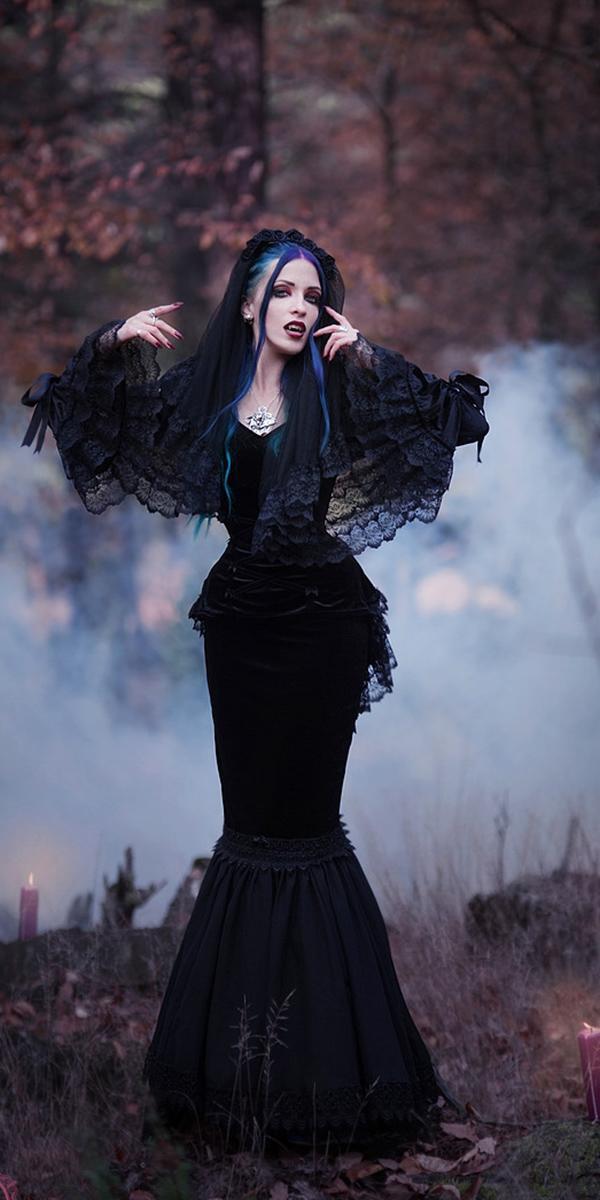Dark Romance 18 Gothic Wedding Dresses