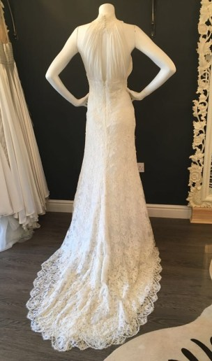 Yari by Pronovias. Size 14. Good Condition.