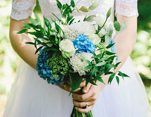 サムシングブルー ブーケ 結婚