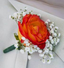 The Classic Grooms Boutonniere