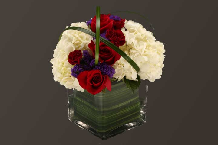 PICTURE OF MIXED FLOWERS MIXED COLORS CENTER PIECE